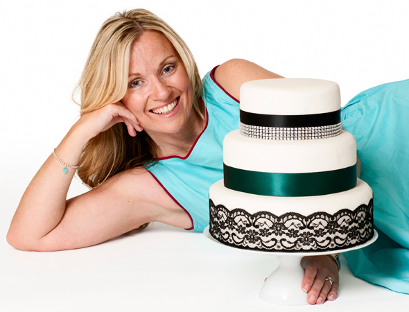 cake maker with three tier cake